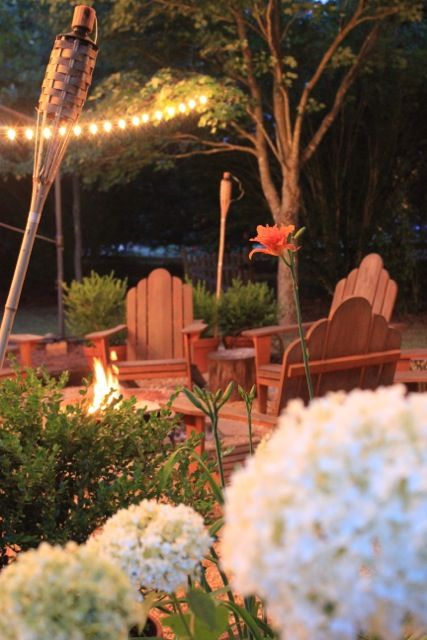 Outdoor Space: Summer Lights Fire pit Seating