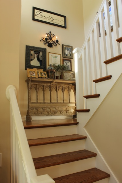 Ideas For Wall Decor On Stairs : My foyer daisymaebelle