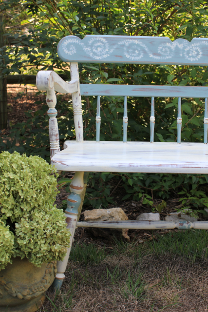 another chalk paint project i found this great bench at a yard sale bench painted chalk paint
