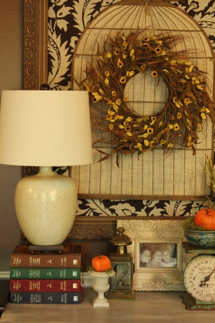 http://daisymaebelle.com/wp/wp-content/uploads/2012/09/fall-kitchen-side-table04.jpg