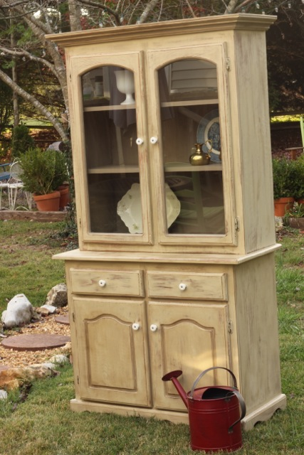 painted china cabinet29 Painting furniture makeovers {Newbie with a twist party started}
