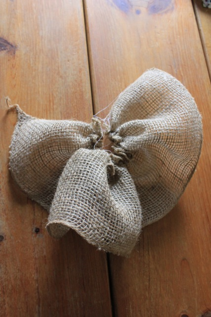 Burlap Flower and Picnic Basket08