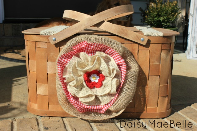 Burlap Flower and Picnic Basket11