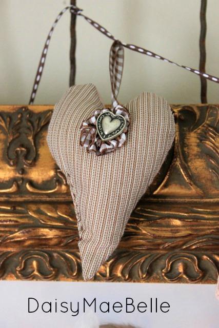 Heart Garland09