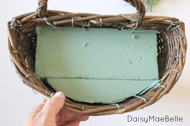 Burlap Bow and Basket @ DaisyMaeBelle