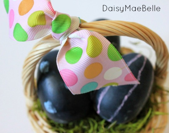 DIY Chalkboard Easter Eggs11