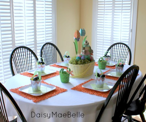 Kid's Easter Table @ DaisyMaeBelle