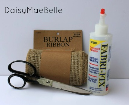 Supplies for a No Sew Burlap Table Runner @ DaisyMaeBelle