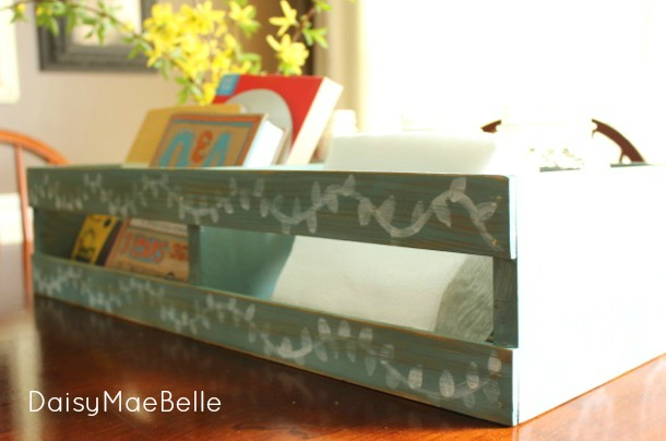Painted CD Crate @ DaisyMaeBelle