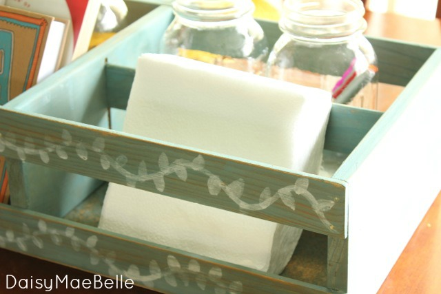 How to Control Kitchen Clutter @ DaisyMaeBelle