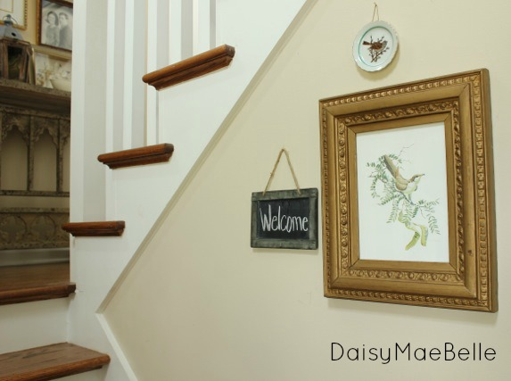 Hanging Pictures in a Stairway @ DaisyMaeBelle