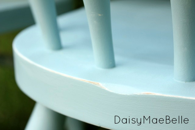 Painting a Table and Chairs @ DaisyMaeBelle