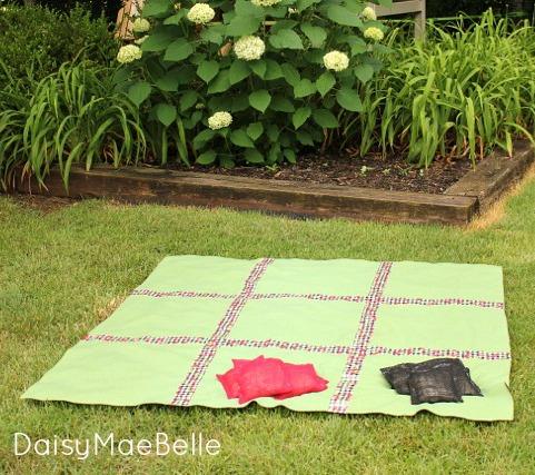 DIY Outdoor Game @ DaisyMaeBelle
