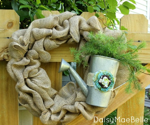 How to make a burlap wreath daisymaebelle daisymaebelle for What can i make with burlap