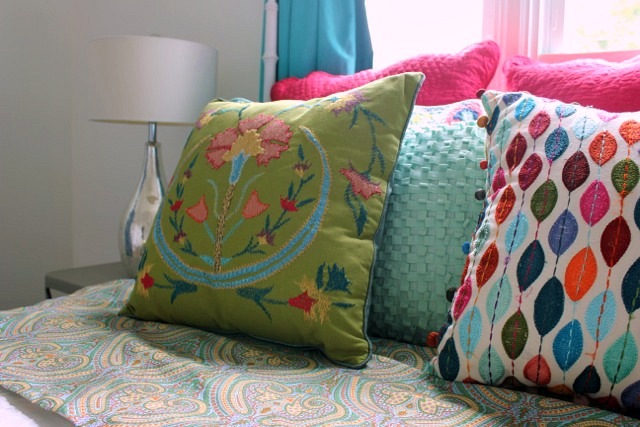 Bright and Happy Bedroom @ DaisyMaeBelle