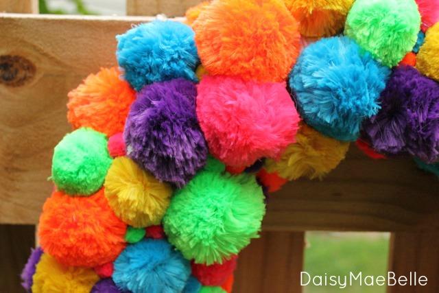 DIY Pom Pom Wreath @ DaisyMaeBelle