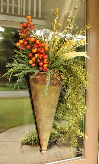 Decorating your front door for fall