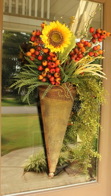 Decorating your front door for the fall