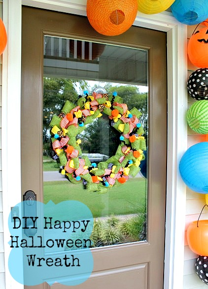 How to Make a Halloween Wreath @ DaisyMaeBelle