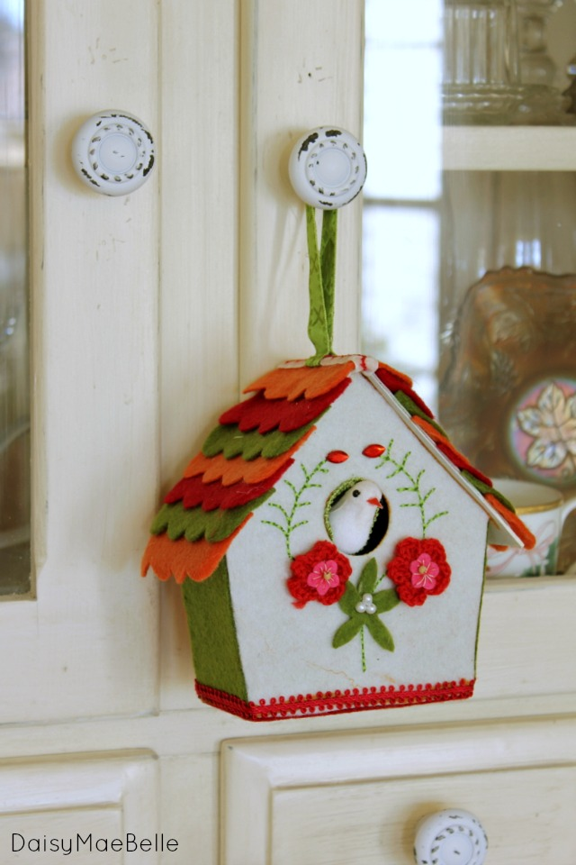Christmas Bird House @ DaisyMaeBelle