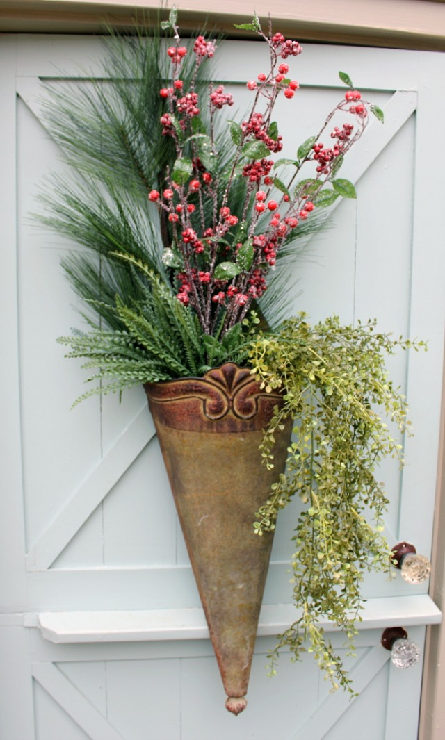 How to Make an Arrangement for your front door for Christmas