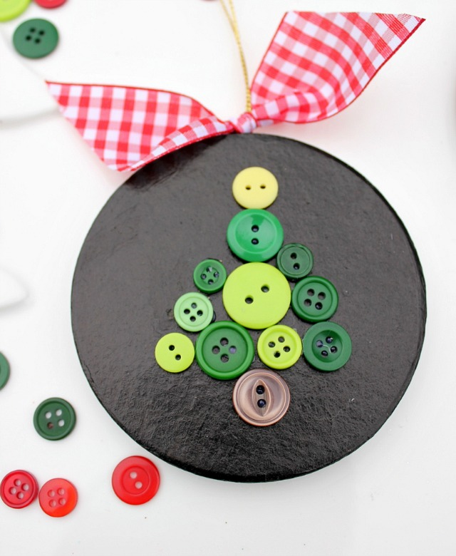 Making a Christmas Tree Ornament out of Buttons