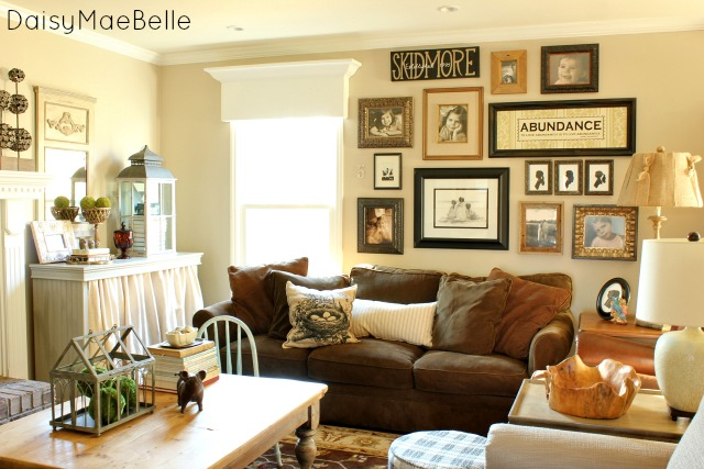 Http Daisymaebelle Com Family Room Decorations
