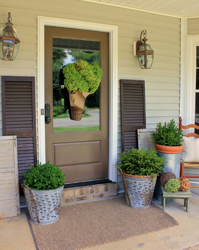 Decorating a Front Entry