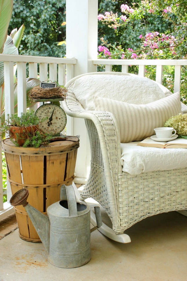 Decorating a Southern Front Porch