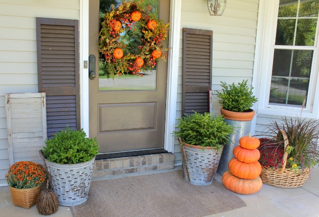 Fall Front Porch @ DaisyMaeBelle