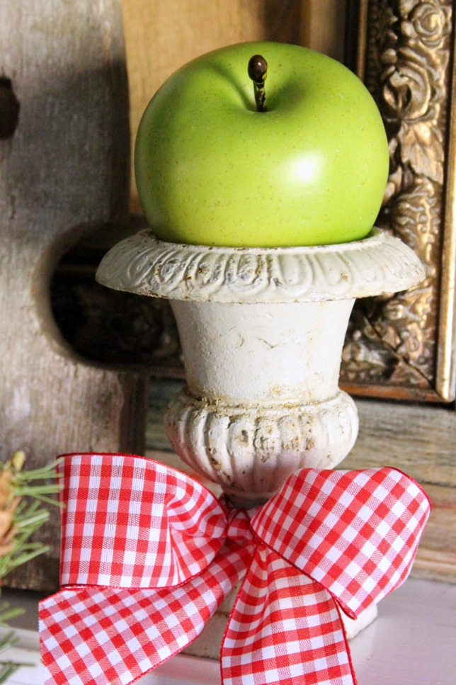 Using apples for Christmas Decorations